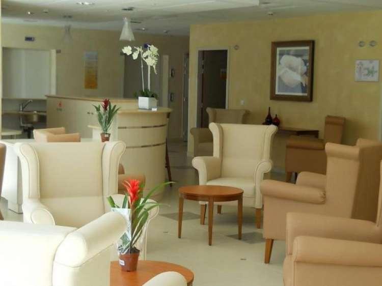r sidence les jardins de chartres chartres 28. Black Bedroom Furniture Sets. Home Design Ideas